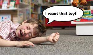 crying kid i want that toy