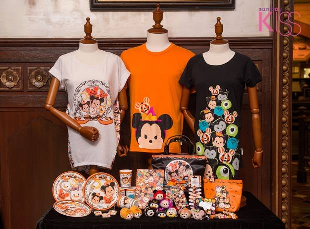 Disney Haunted Halloween Merchandise_Group Photo_9