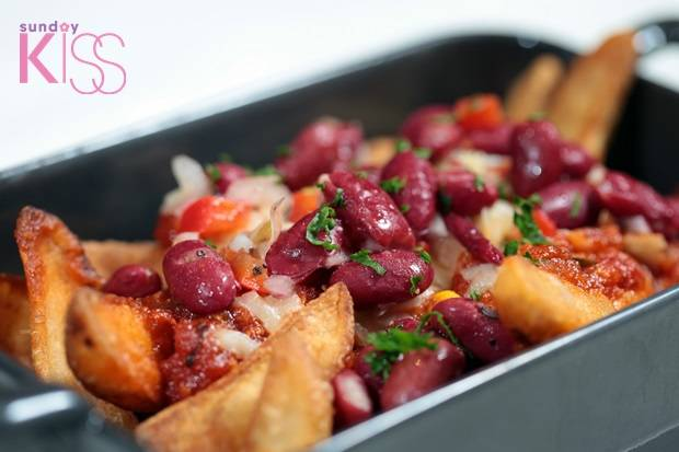 Potato Wedges with Chili Con carne $481