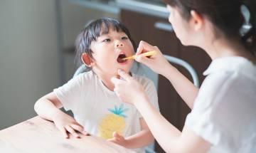 研究:四成兒童「牙膏當糖食」致氟斑牙|17款兒童牙膏安全清單