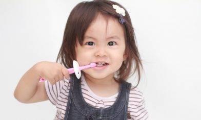 研究:四成兒童「牙膏當糖食」致氟斑牙  |  17款兒童牙膏安全清單