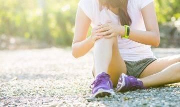膝蓋痛提防髂脛束症候群 | 運動前不拉筋 關節易創傷勞損 |4式臀部肌肉伸展運動