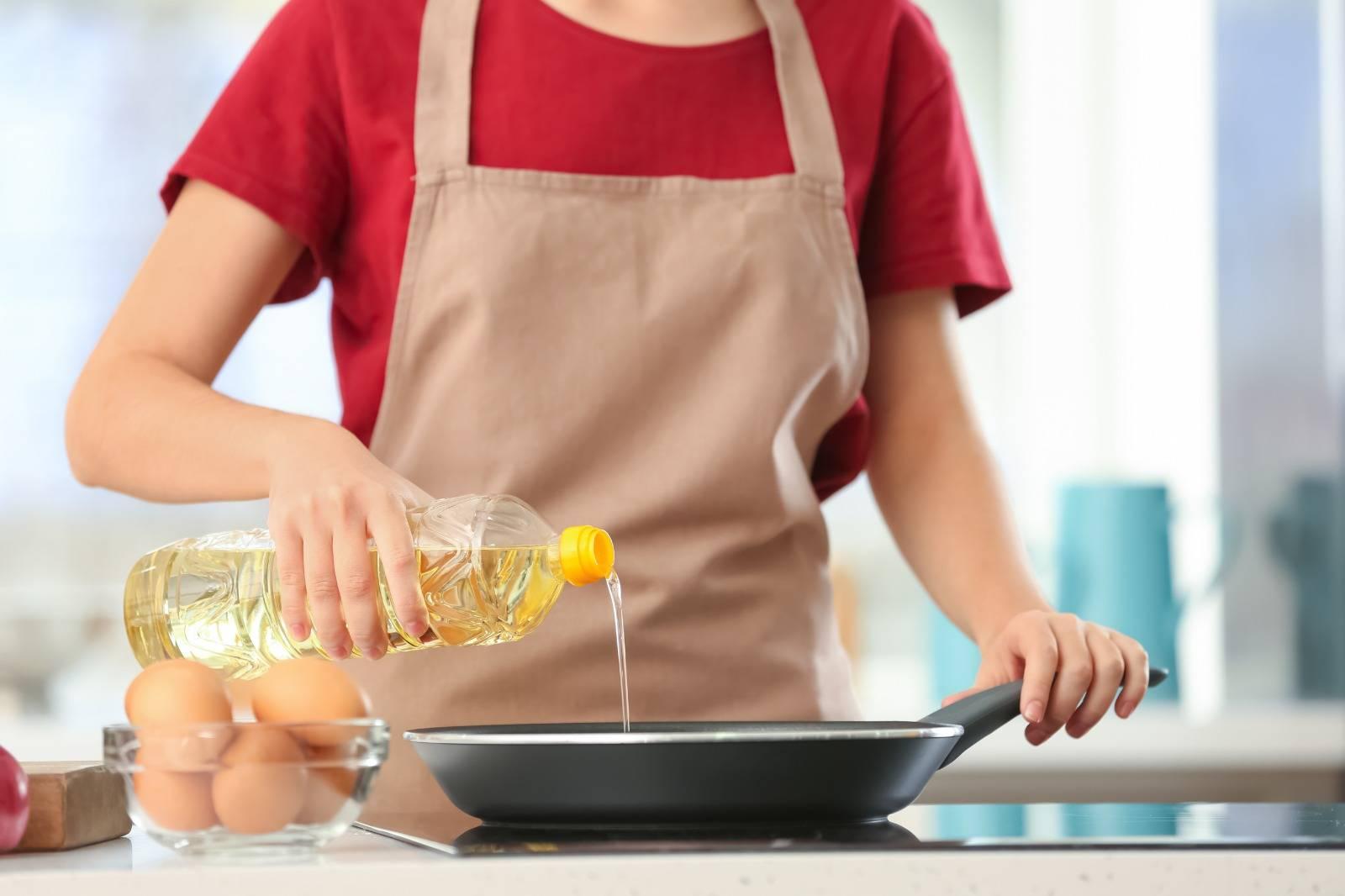慎選食油 營養師教分煙點及煮法