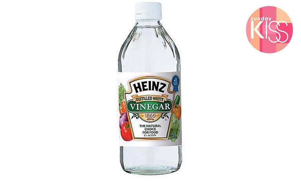 用溫水加醋稀釋再浸泡30分鐘就可以清除杯邊的紅色鏽漬。