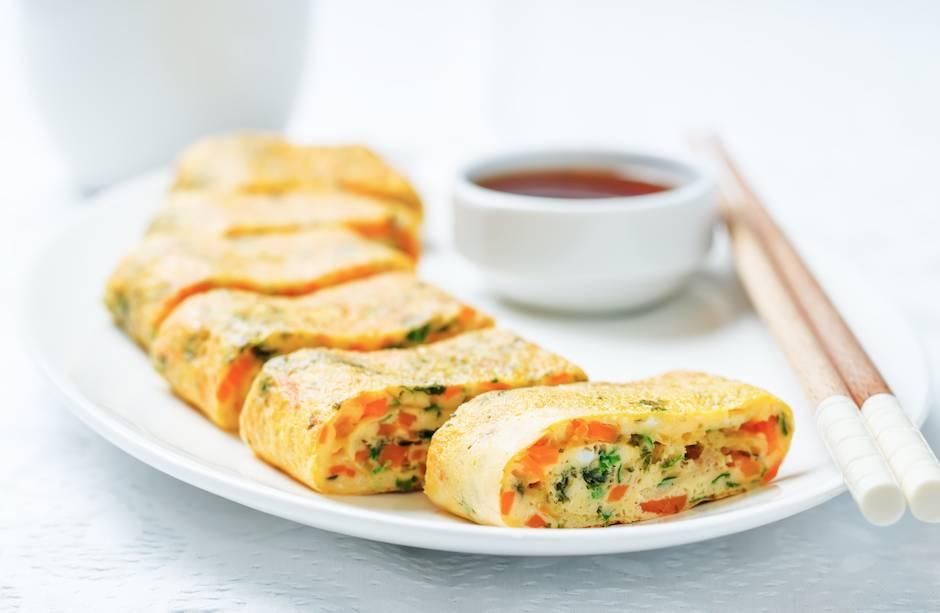 雞蛋食譜11. 蔬菜蝦蛋卷
