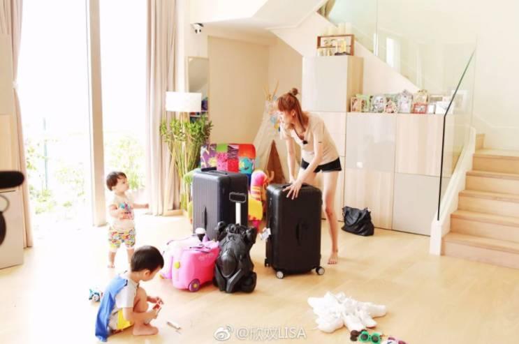 疫情收入大減 一家六口搬離月租14萬複式豪宅(圖片來源:蔣麗莎微博圖片)