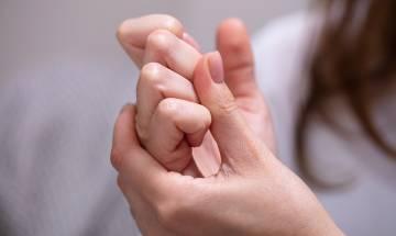 「啪手指」舒筋只是錯覺 經常「啪」易拉鬆關節