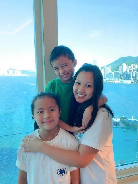 媽媽:Yan (家庭主婦) 囡囡:澄澄 (10歲)、囝囝:軒軒 (8歲)