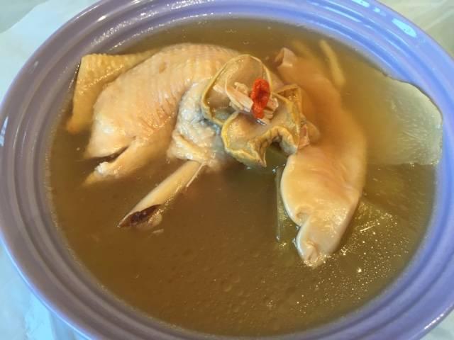 響螺湯水食譜1:合掌瓜蓮子響螺煲豬展