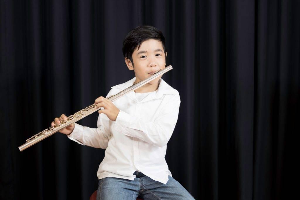 結果發現1年前父母從市場購買給小祥的長笛,其含鉛量居然超出正常範圍60多倍。
