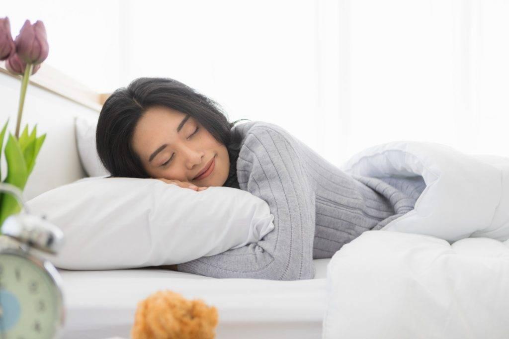 揀枕頭4大重點 如何分辨兒童枕頭正確高度+睡姿|脊醫:長期趴睡或導致頸椎錯位