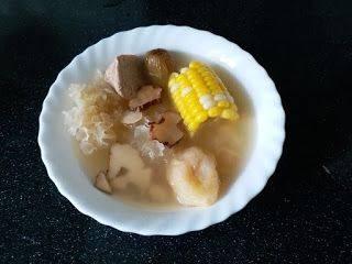 防咳湯水食譜2:虎乳靈芝粟米雪耳湯