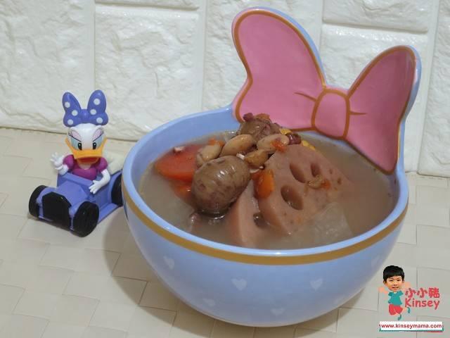 栗子湯水食譜2:蓮藕栗子赤小豆扁豆豬骨湯