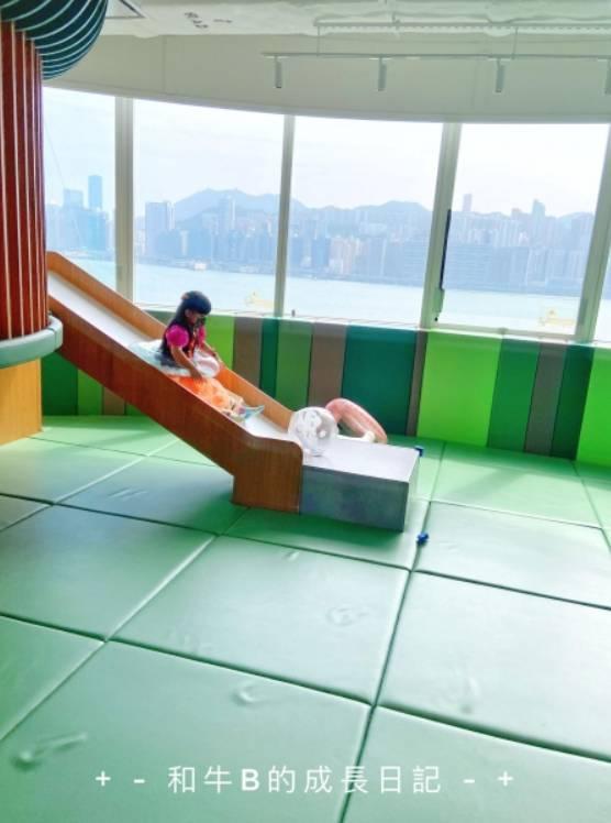 大滑梯(圖片來源:和牛B的成長日記 )