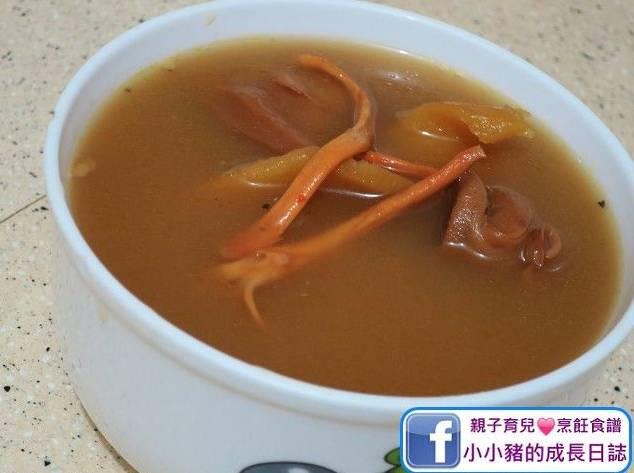 烏雞湯水食譜4:烏雞蟲草花螺頭湯