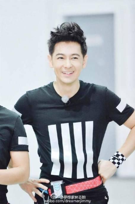 林志穎熱愛賽車,他同時是個賽車手,是當年第一個參加國際頂級賽事的台灣車手