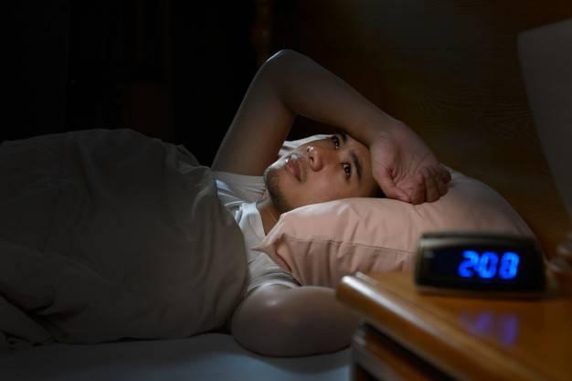 失眠也會導致半夜醒來上廁所。