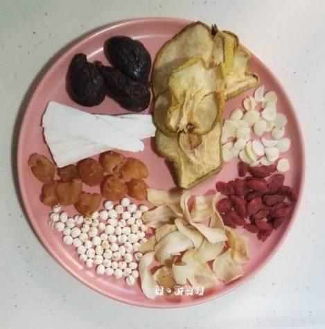 大雪湯水食譜1.紫花果百合淮山梨乾燉川貝母湯