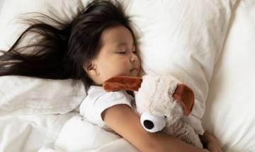 小被被多年無洗成細菌溫床 15歲女臉部濕疹發作+生滿暗瘡