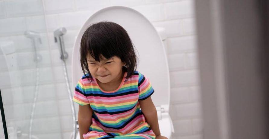 家長需注意子女便秘問題。 圖片來源:Shutterstock