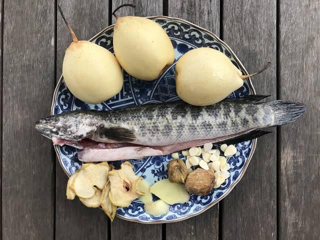 雨水節氣湯水食譜4. 雪梨生魚湯
