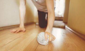 子宮下垂可大可小!主婦跪低擦地 用力過猛子宮跌出陰道|附5大徵狀及3大預防方法