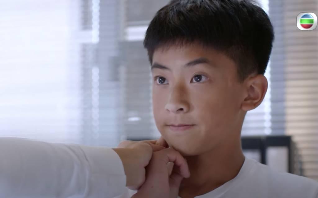 《大步走》演技自然獲觀眾留意(TVB劇集《大步走》電視截圖)