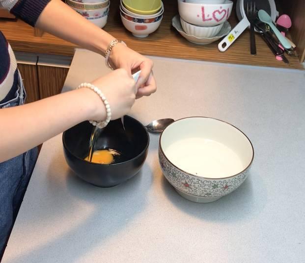 打蛋,加入起酥油,攪拌30秒。