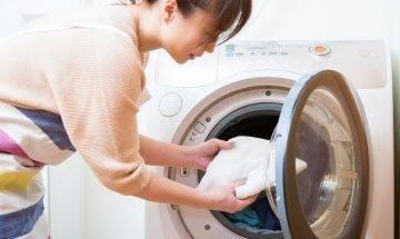 洗衫小秘技|寶測放3粒波波入洗衣機 成功洗走深色衣物上的毛髮/線頭/紙碎