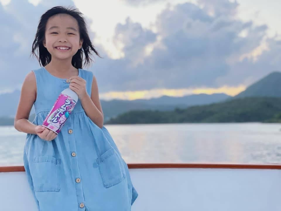 出海的好處就是可以替孩子影一輯靚相。