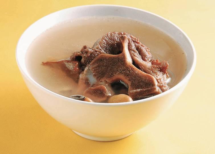 立夏養生湯水食譜1.老黃瓜豬脊骨湯