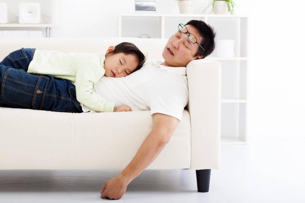 加拿大研究發現,爸爸的睡眠品質不受孩子吵鬧聲影響。(圖片:shutterstock)