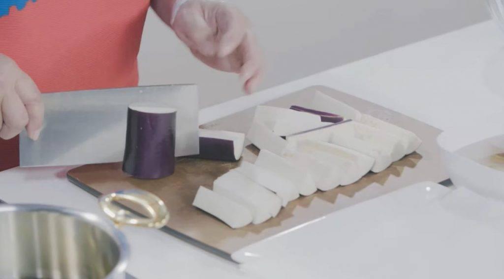 梅菜蒸茄子食譜(圖片來源:YouTube Channel《Gigi煮嘢》截圖)