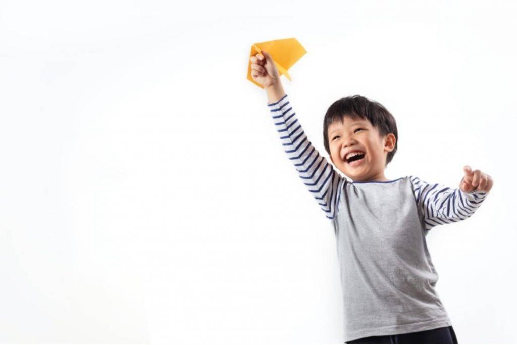 比起相信固定心態的人,學習相信成長心態的人,最終會更有成就、更快樂也更成功。(圖片來源:Shutterstock)