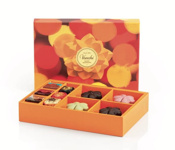 賞月巧克力月餅長形禮盒 HK$ 408 (早購優惠) HK$ 488(圖片來源:Venchi )