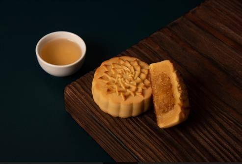 鳳梨奶黃月餅(圖片來源:微熱山丘)