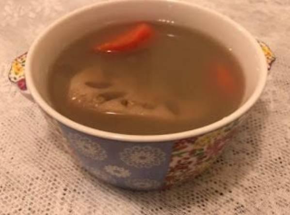小暑湯水食譜2.蓮藕章魚綠豆湯(圖片來源:80後媽媽)