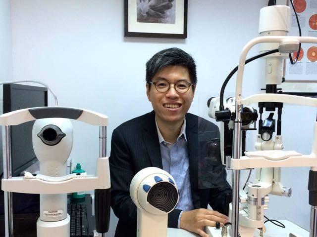 註冊視光師兼哲學博士吳耀輝(圖片來源:CooperVision-MiSight)