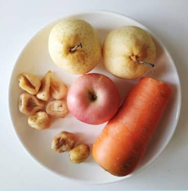 處暑湯水食譜1.蘋果雪梨無花果湯(圖片來源:Kylife與二寶之日常)