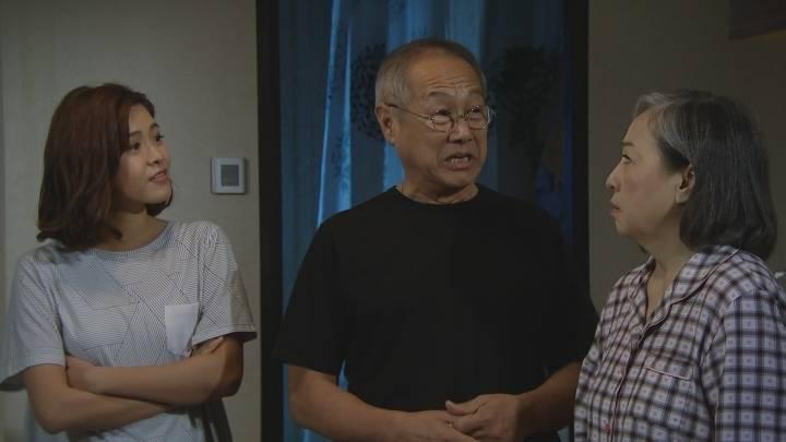 港媽控訴奶奶情緒勒索逼同居(圖片來源:TVB劇集《過街英雄》劇照)