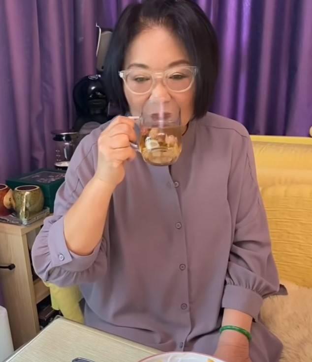 養生潤喉茶食譜:焗大約10分鐘即成。(圖片來源:李司棋IG)