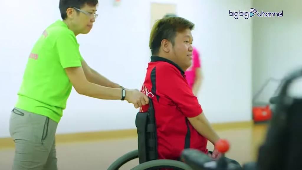 天生患病曾因被白眼感自卑 不敢見人(圖片來源:TVB節目電視截圖)