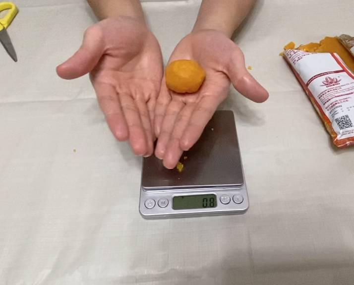 流心奶黃月餅食譜做法(圖片來源:Clara)