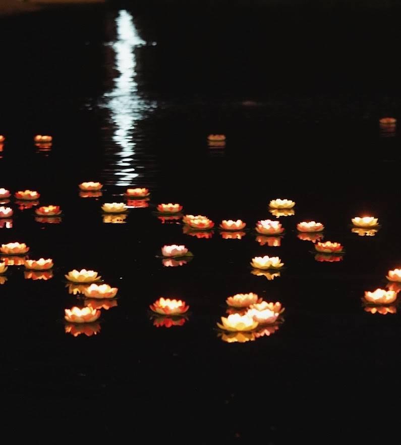 許願湖放花燈祈福(圖片來源:LAKE HOUSE)