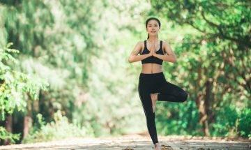 練習平衡力可改善大腦健康、更長壽 單腳企3大好處